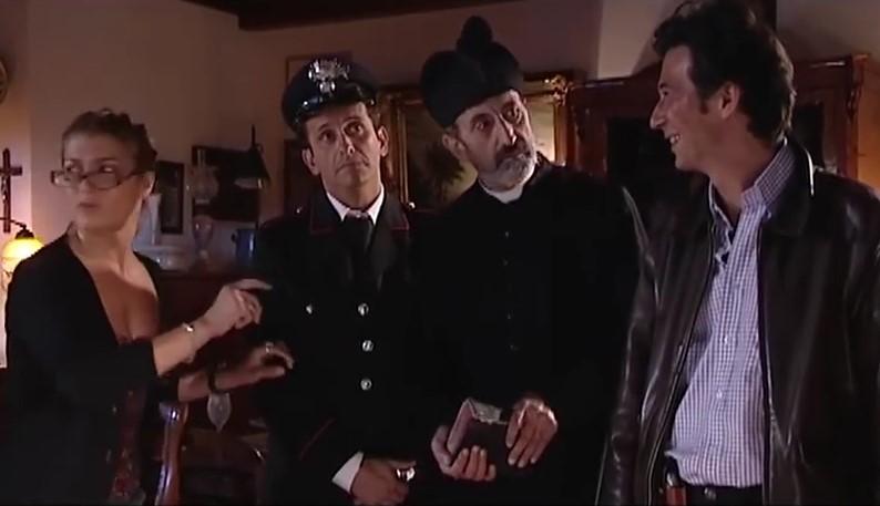 Divertente , Classica Barzelletta sui Carabinieri stile Specchio Specchio..