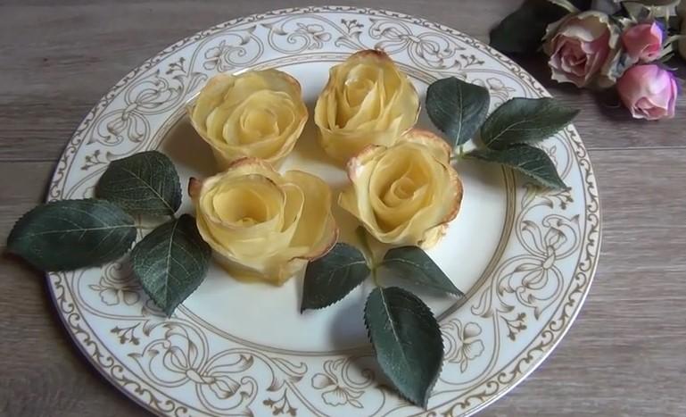 Ricetta , come Preparare delle Deliziose Rose con Patate