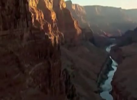 Video  DvdiV –  Spettacolare ,  vediamo una Panoramica del  Grand Canyon