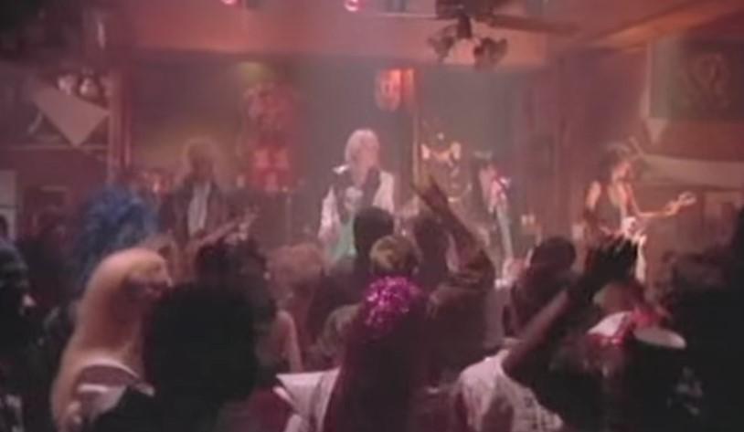 VideoClip , della Grandissima Rag Doll dei Aerosmith