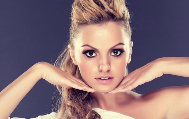 VideoClip , della Show Me the Way di Alexandra Stan