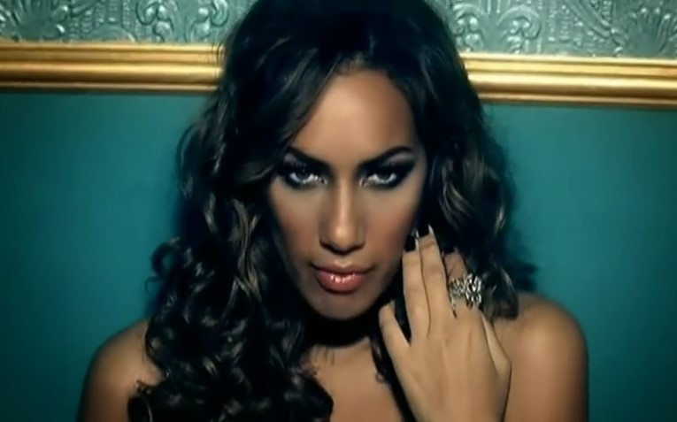 VideoClip , vediamo ora Bleeding Love di Leona Lewis