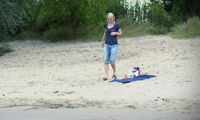 Divertente , Gag in Spiaggia con la Fantastica Martina Hill