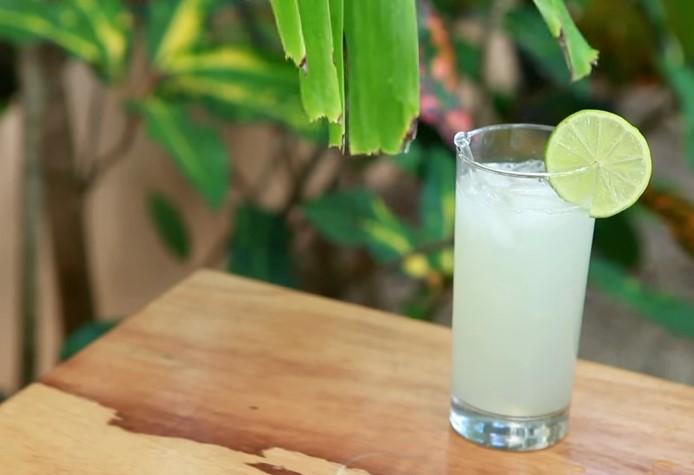 Ricetta , per Preparare una Alternativa Limonata di Lime