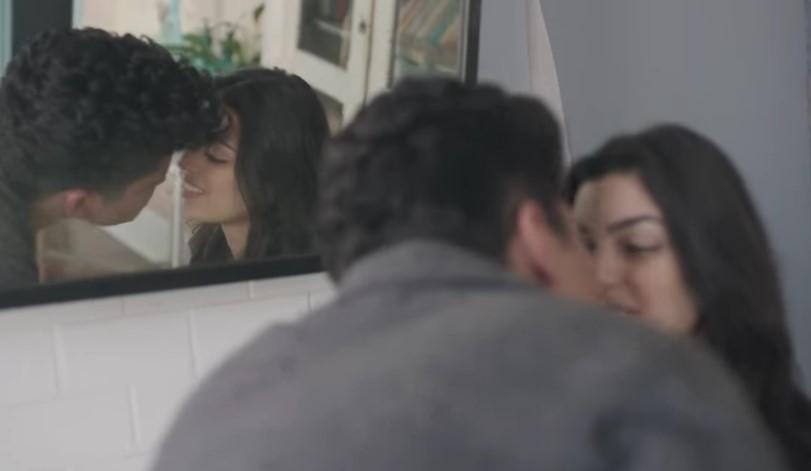 VideoClip , della Romantica It will Rain di Bruno Mars