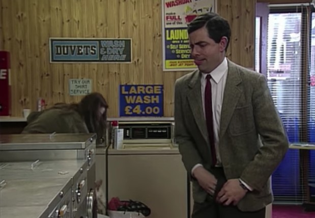Funny , Gag Arriving at the Launderette con Mr. Bean