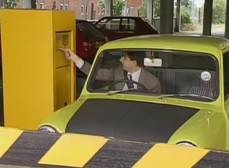"Video  DvdiV –  Funny ,  Gag  in  "" Car Park Chaos ""  con  Mr. Bean"