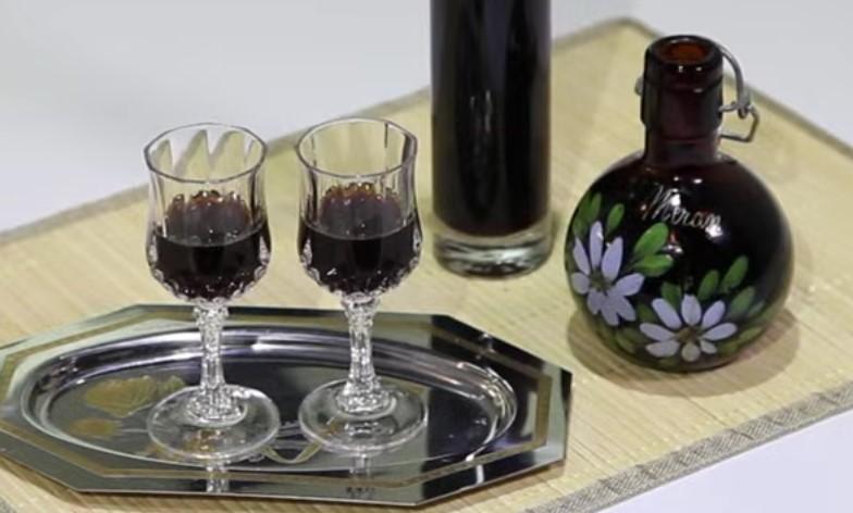 Ricetta , per Preparare un Classico Liquore al Caffe'