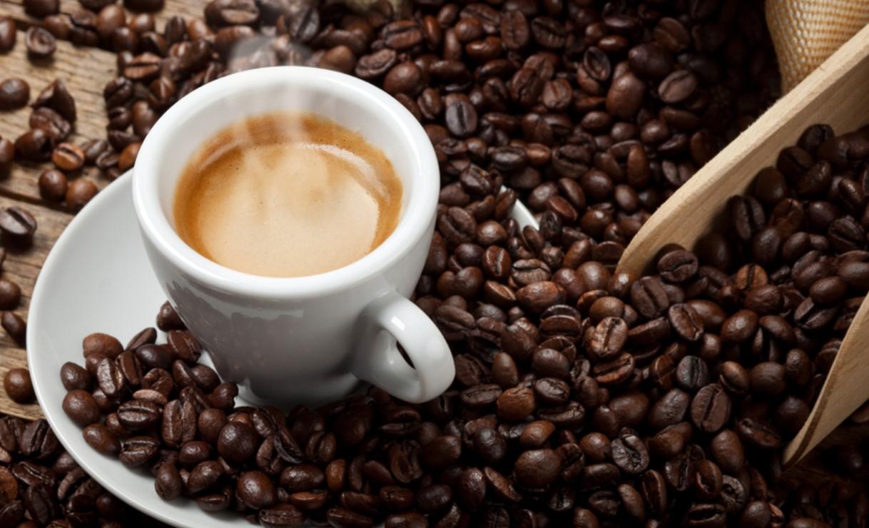 Salute , il Caffe' fa sempre Discutere , fa Bene o fa Male