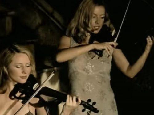 """Video DvdiV – VideoClip , Esibizione """" Victory """" delle Fantastiche Bond"""