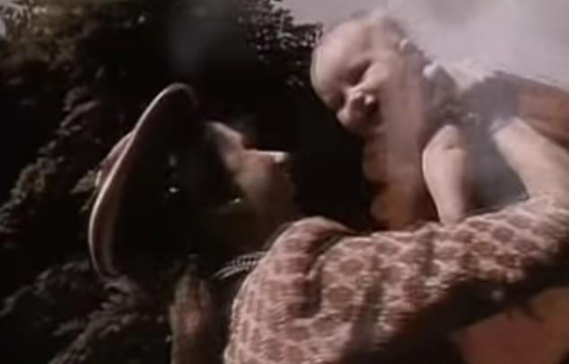 VideoClip , della Nostalgica Veronica di Elvis Costello