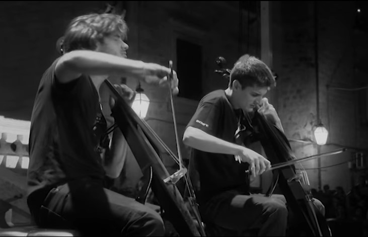 VideoClip , Esibizione Live Californication di 2Cellos