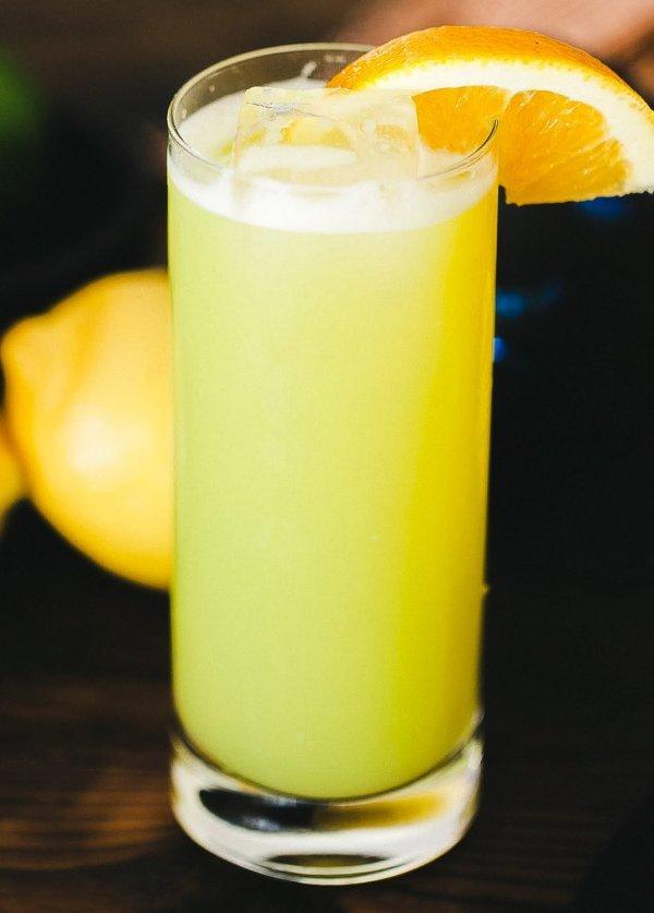 Cocktail , Arte nel Preparare un Fantastico the Melon Ball
