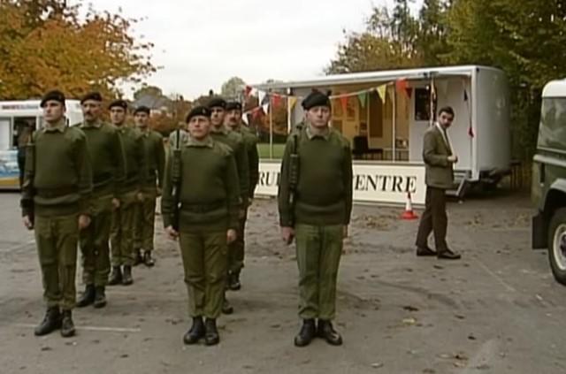 Funny , Gag in Army Cadets con il Fantastico Mr. Bean