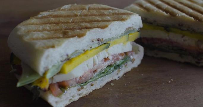 Ricetta Vegan , per Preparare un Stupefacente Panino Vegetariano