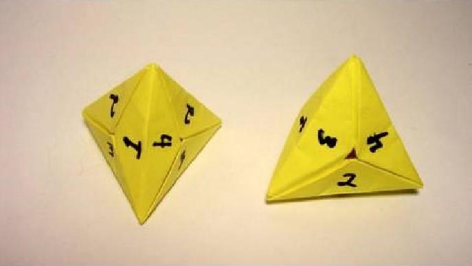 Funny , Arte dell' Origami per Creare un 4 Sided Dice b