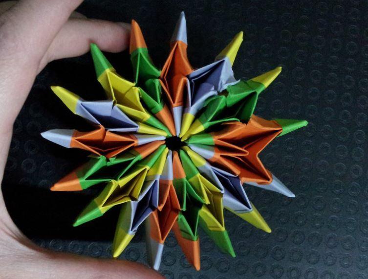 Funny , Arte dell' Origami per Creare un Intrigante Fireworks