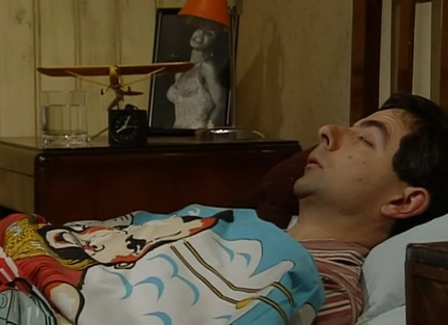 Funny , Gag in Alarm clock and getting Up con il Fantastico Mr. Bean
