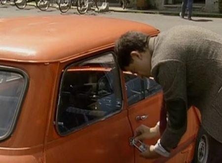 """Video DvdiV – Funny , Gag in """" Reliant Robin Crash """" con il Fantastico Mr. Bean"""