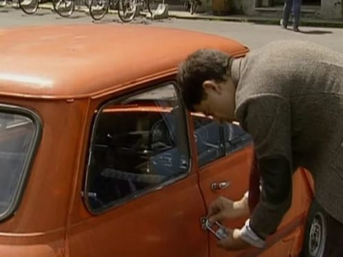 "Video  DvdiV –  Funny ,  Gag  in  "" Reliant Robin Crash ""  con il  Fantastico  Mr. Bean"