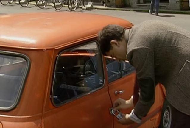 Funny , Gag in Reliant Robin Crash con il Fantastico Mr. Bean