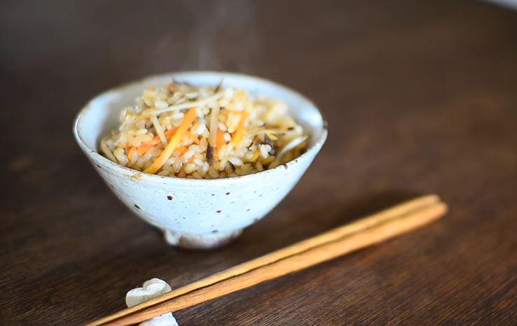 Ricetta Vegan , per Preparare un Ottimo Takikomi Gohan