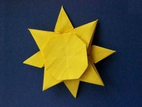 Video  DvdiV –  Funny ,  Arte  dell'  Origami  per  Creare un  Simpatico  Sole