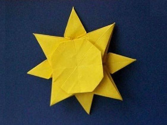 Funny , Arte dell' Origami per Creare un Sole
