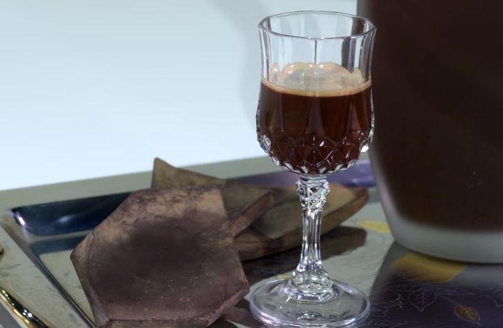 Ricetta , per Preparare un Squisito Liquore al Cioccolato