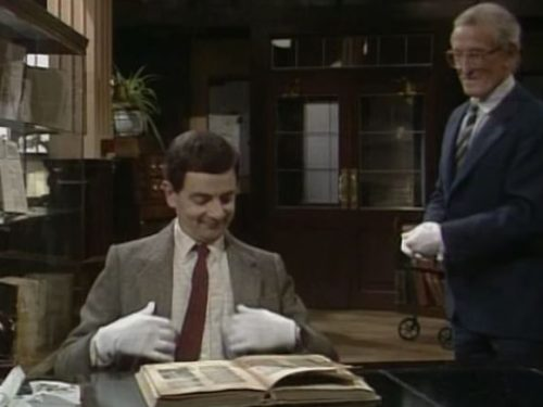 "Video  DvdiV –  Funny ,  Gag  in  "" Library Destruction  ""  con il  Fantastico  Mr. Bean"